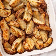 Roasted Garlic Red Potatoes, Easy Mashed Potatoes, Roasted Potato Recipes, Roasted Potatoes, Potluck Side Dishes, Potato Side Dishes, Side Dishes Easy, Easy Lamb Recipes, Roast Beef Recipes