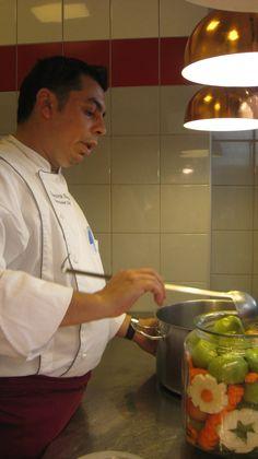 Chef  Dumitru Bucșă (de la Hotel Pullman)