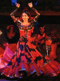 Romani Gypsy costumes usable in Romen Theatre