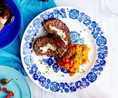 Mureke on parasta arkiruokaa! Mehevän BBQ-murekkeen kanssa maistuu lempeän tulinen bataattisose.