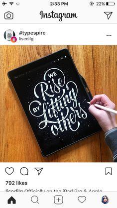 Brush Font, Brush Lettering, Lettering Design, Lettering Ideas, Modern Calligraphy Quotes, Calligraphy Letters, Chalkboard Lettering, Hand Lettering Quotes, Doodle Books
