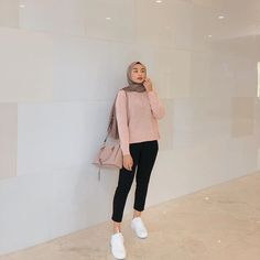 Casual Hijab Outfit, Ootd Hijab, Girl Hijab, Casual Outfits, Modern Hijab Fashion, Hijab Fashion Inspiration, Style Inspiration, Fashion Ideas, Normcore