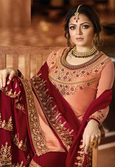 Peach And Red Embroidered Pakistani Gharara Suit features a beautiful designer satin georgette top with delicate traditional embroidery with zari and resham machine work that goes amazingly with th. Pakistani Gharara, Pakistani Party Wear, Pakistani Dresses, Indian Dresses, Indian Clothes, Peach Colour Combinations, Colour Combination For Dress, Beautiful Color Combinations, Colour Combo