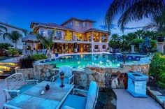 Mansions homes Dream house mansions Rich people lifestyle Mansions luxury Modern mansions House goals Huge Houses, Pool Houses, Crazy Houses, Amazing Houses, Beach Houses, Big Houses With Pools, Unusual Houses, Dream Mansion, Modern Mansion