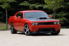 Dodge Challenger SRT-10