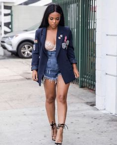 Blazer with patches / cami / denim shorts \\ spring outfit Chic Outfits, Summer Outfits, Fashion Outfits, Womens Fashion, Fashion Trends, Fashion 2016, Spring Summer Fashion, Autumn Fashion, Estilo Fashion