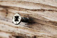 Seguro que en ocasiones los trabajos con madera os han complicado la vida. Eso se acabó, aquí van 10 trucos para ser un profesional en pocos pasos.