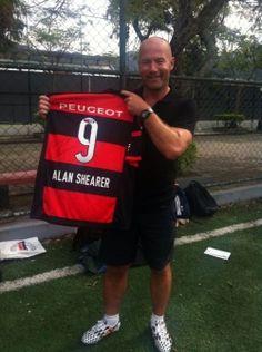 """Alan Shearer: """"Todo mundo conhece o Flamengo"""""""