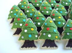 Christmas tree ornament by feltmates!, via Flickr
