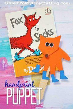 Handprint Fox In Socks Puppet - Dr Seuss Inspired Kid Craft Dr. Seuss, Dr Seuss Art, Dr Seuss Crafts, Dr Seuss Week, Dr Suess Books, Children's Books, Toddler Crafts, Preschool Crafts, Crafts For Kids