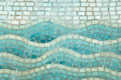 How to Make a Wave Mosaic - Perfect for decorating a piece of furniture, tray, or a spot in your home. Such a fun DIY project!