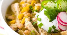 White bean chicken chili simmered in a crockpot with whole roasted jalapenos, tender beans, corn, and lean chicken breast. A healthy recipe pack with flavor and spice. Healthy Crockpot Recipes, Chili Recipes, Slow Cooker Recipes, Seafood Recipes, Crockpot Meals, Healthy Foods, Healthy Eating, White Bean Chicken Chili Crockpot Recipe, Bowls