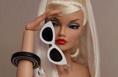 A Barbie já reservou seu Cat Eye favorito! E você? #oculos #de #sol #doll #color #gatinho #aviador #oticas #wanny #online #sunglasses