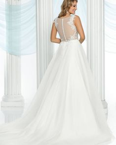DaVinci Bridal Style #50416 features this beautiful illusion back! Don't you just love lace?!