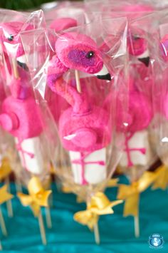 Flamingo Marshmallow Pops