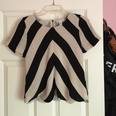 Made for impulse shirt Only wore it once! Macy's Tops Tees - Short Sleeve