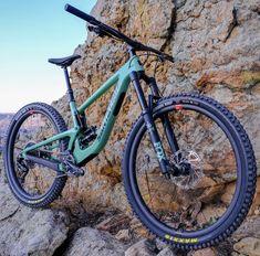 Weapon of choice? The all-new Megatower. Bmx Bicycle, Mtb Bike, Golden Bike, Santa Cruz Bronson, Scott Spark, Santa Cruz Bicycles, Mountian Bike, Bmx Freestyle, Bike Art