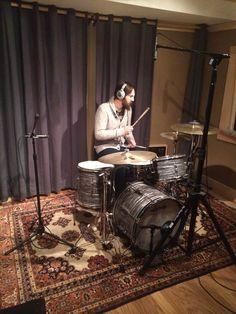 The Recorder Man Drum Miking Technique — Jon Stinson Home Studio Setup, Recording Studio Home, Home Studio Music, Studio Ideas, Drums Studio, Drum Room, Cool Rooms, Music Is Life, Audiophile