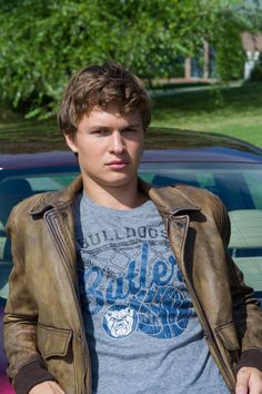 Ansel Elgort as Augustus Waters. I found him to be extremely attractive in this movie. Hazel Et Augustus, Augustus Waters, Ansel Elgort, Gorgeous Men, Beautiful People, Idol 4, John Green Books, Bae, Baby Driver