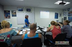 IDC Staff Tim delivers the next presentation on a PADI course :) Tim has years of experience in teaching and is able to share that with the candidates for their benefit!