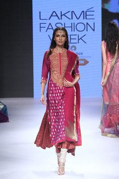Ritu Kumar at Lakmé Fashion Week Winter/Festive 2015 | Vogue India | Cat:- Fashion Shows | Author : - Vogue.in | Type:- Article | Publish Date:- 08-29-2015