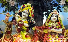 To view Radha Gopinath Wallpaper of ISKCON Chowpatty in difference sizes visit - http://harekrishnawallpapers.com/sri-sri-radha-gopinath-close-up-wallpaper-006/