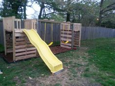 DIY Playground made from pallets by my mom (@Vetta Detta Detta Link) and grandpa for my kids.