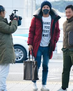 JKS 💕 @ Incheon Int Airport departing to Sapporo JP 2017. 11. 28      Cr:  As tagged