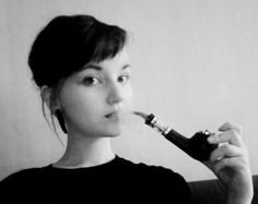 paniikkia:  I got my e-pipe yesterday!! It's a beauty. I've got menthol-flavored T-Juice (nicotine-free) in the tank and it tastes fantastic...
