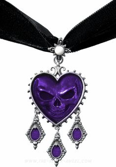 Alchemy Gothic choker necklace with heart shaped pendant and skull reflection.