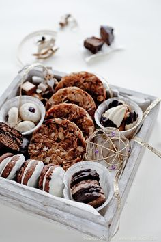 Christmas Cookies: Almond Peanut Florentines, Chocolate Brushed Lebkuchen and Hazelnut Gianduia Spritz Cookies from Flynn Flynn Averett Wolff Cookie Baskets, Cookie Tray, Cookie Gifts, Food Gifts, Christmas Party Food, Christmas Treats, Holiday Parties, Christmas Cookie Boxes, Holiday Gifts