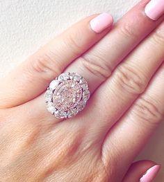 "- Caroline Ervin (@caroervin) on Instagram: ""When the nail polish matches the diamond #fancylightpink #lightpink…"""