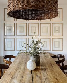 Inspirational ideas about Interior Interior Design and Home Decorating Style for Living Room Bedroom Kitchen and the entire home. Curated selection of home decor products. Boho Home, Décor Boho, Dining Room Inspiration, Design Inspiration, Wooden Dining Tables, Dining Room Design, Interiores Design, Room Interior, Modern Farmhouse