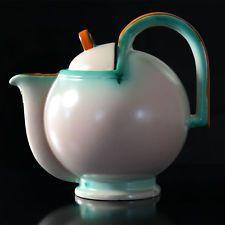 Bauhaus Majolica Coffee/Teapot by Eva Zeisel, German Bauhaus Art, Bauhaus Design, Art Nouveau, Ceramic Teapots, Ceramic Art, Art Deco Stil, Harlem Renaissance, Teapots And Cups, Art Deco Furniture