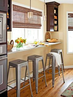 Small apartment kitchen ideas solutions for small spaces home decor kitchen small spaces and tiny apartments . Breakfast Bar Kitchen, Eat In Kitchen, Kitchen Dining, Breakfast Bars, Kitchen Small, Kitchen Ideas, Breakfast Nooks, Kitchen Shelves, Dining Rooms