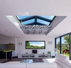 Un puit de lumière coulissant Small Open Plan Kitchens, Open Plan Kitchen Living Room, Open Plan Living, House Extension Design, Glass Extension, Rear Extension, Bungalow Extensions, House Extensions, Roof Design
