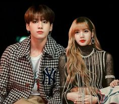 𝐣𝐤 𝐚𝐧𝐝 𝐥𝐬 🌿 ( fan account ) ( Bts Jungkook And V, Blackpink And Bts, Bts Taehyung, K Pop, Joker Queen, Bts Girl, Kpop Couples, Blackpink Memes, Korean Couple