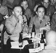 Der Reichsfuhrer-ϟϟ Heinrich Himmler , Goebbels looking a bit Worn-Out ...