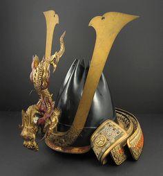 Kinchaku-Nari Kawari Kabuto, with Dragon Maedate. Samurai Helmet, Arm Armor, Samurai Swords, Body Armor, Japanese Warrior, Japanese Sword, Japanese Dragon, Japanese Art, Martial