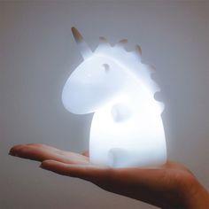Die magische Einhorn-Leuchte macht aus jedem Raum ein Stück Märchenland - ob Diele, Wohnzimmer, Schlafzimmer oder Kinderzimmer. Magisch.