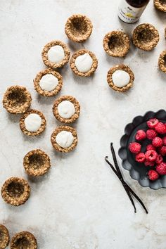 Oatmeal Cookie Tarts filled with Vanilla Bean Cream via @edibleperspective