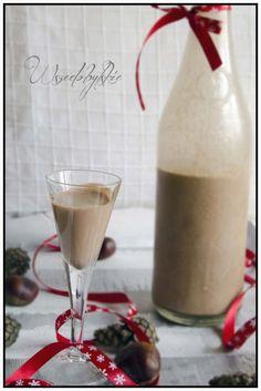 Zobacz zdjęcie Likier z Nutelli  Składniki: 350ml mleka 3,2%  200ml smietanki 30% (np. laciata )  60g cukru  300g nutelli  70g spirytusu (100 ml)  Opis: W garnku gotujemy mleko ze smietanka i cukrem, dodajemy nutelle i dokladnie mieszamy. Odstawiamy do calkowitego wystygniecia. Na koniec dodajemy spirytus, mieszamy i butelkujemy.  Likier przechowujemy w lodowce, przed podaniem nalezy mocno wstrzasnac butelka. Na zdrowie! :) w pełnej rozdzielczości