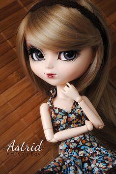 Astrid by Aaliyoh Boy, via Flickr