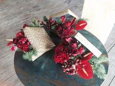 Wedding at Moment Villa in Red, Gold, Black theme. Wedding Planner & Stylish by Magic  contact  for villa & Wedding information: jo@magic-bali.com