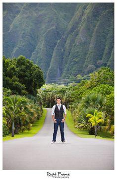 www.rightframe.net – Oahu Senior photography at Ho'omaluhia Botanical Garden, Kaneohe, Oahu. portrait, portraits, ideas, idea, Waikiki, Honolulu, Hawaii, photographer, photographers, hawaiian, photo, shoot, pictures, photos, pose, poses, posing, session, fun, seniors, High school, college, graduation, male, boy, man, water, ocean, outdoor, spring, summer.