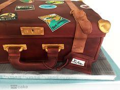 Your Cake. Tarta fondant maleta suitcase