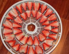 We can do this for kiddos! Dehydrator Recipe: Strawberry chips