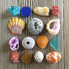 WEBSTA @ thesea_andme - Good morning mermaids✨Doesn't this layout look like candy?! Or maybe some salted buoys posted up in Cape Cod?!? Either way I was feeling some color vibes this morning! I am going to post a photo in my insta story with a failed attempt at this manifest.. I almost said fuck it a few times at that.. But persistence and patience made this piece come to life! If you're feeling frustrated with something that you've been working on- maybe take a few deep breaths, maybe walk…