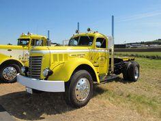 Old gmc trucks   IMG_3575.jpg      Old School GMC Very, Very, Nice !!!