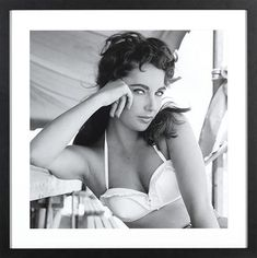 Elizabeth Taylor in White Halt. is listed (or ranked) 4 on the list Hottest Elizabeth Taylor Photos Elizabeth Taylor's Husbands, Elizabeth Taylor Style, Elizabeth Taylor Quotes, Celebrity Photos, Celebrity Style, Vintage Star, Top Photographers, Classic Actresses, Hollywood Actresses